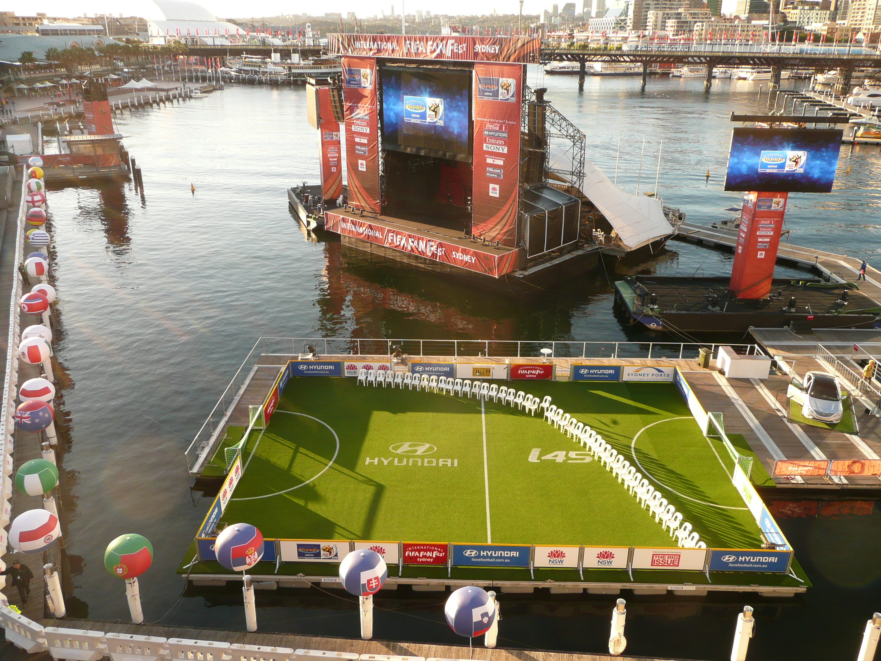 Floating sports field, Walcon Marine